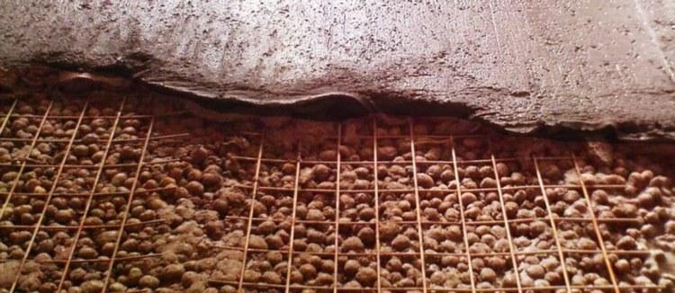 Данное утепление пола керамзитом предполагает, что стяжка напрямую, без дополнительной изоляции, укладывается на утеплитель